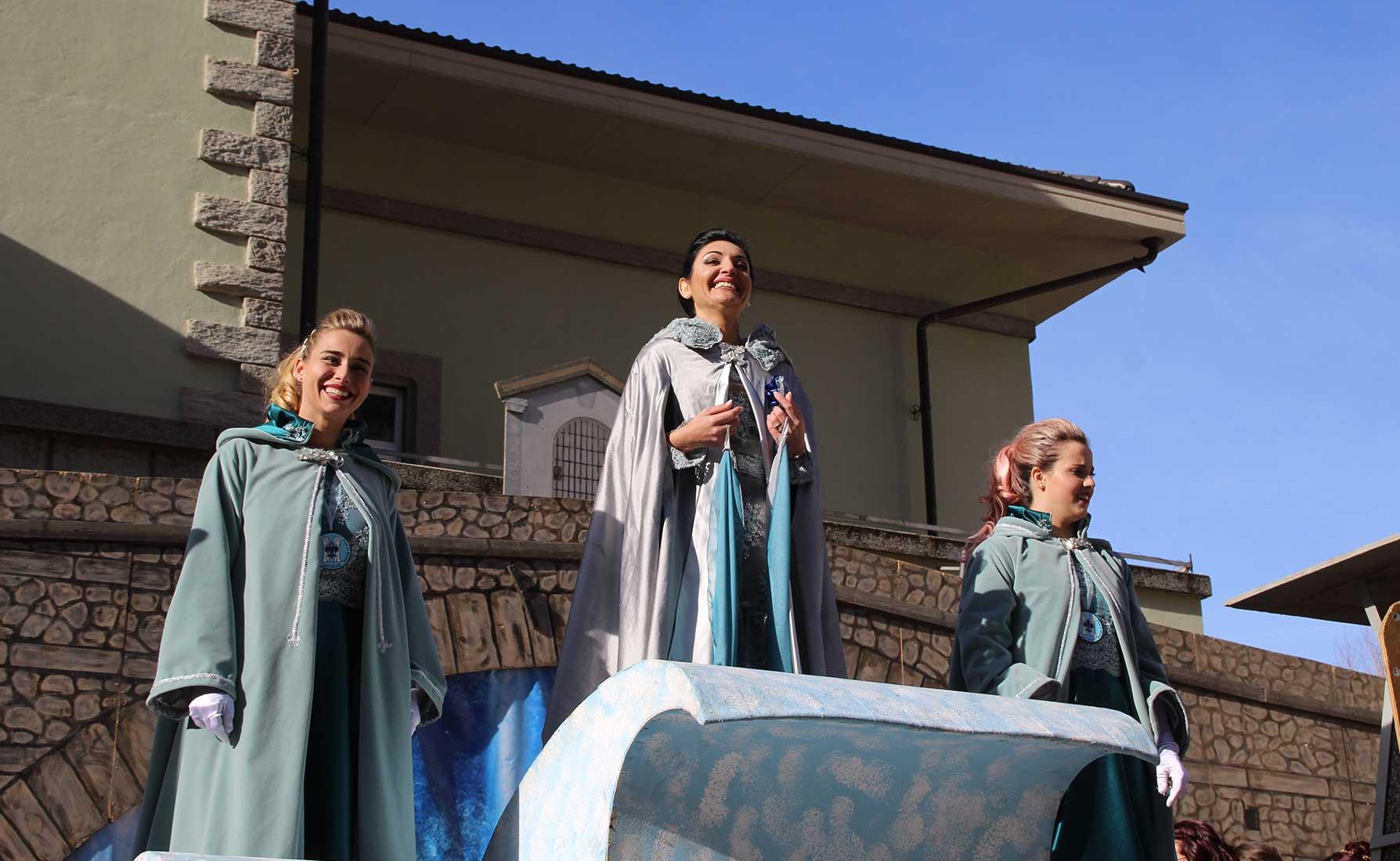 La Ninfa del Lys con le due ancelle