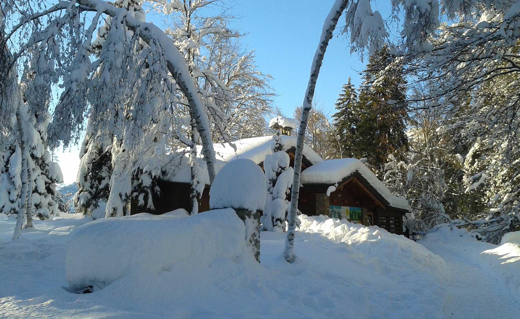 Il Ristoro Coumarial ricoperto di neve